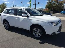 2015 Mitsubishi Outlander ZJ MY14.5 ES 4WD White 6 Speed Constant Variable Wagon Heidelberg Heights Banyule Area Preview