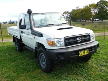 2014 Toyota Landcruiser VDJ79R MY13 Workmate French Vanilla 5 Speed Manual Cab Chassis Singleton Singleton Area Preview