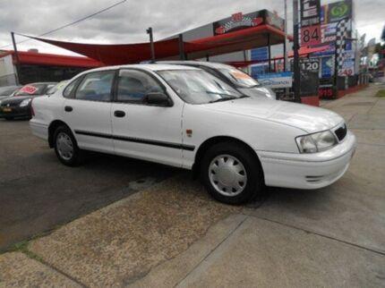 2001 Toyota Avalon MCX10R Conquest Diamond White 4 Speed Automatic Sedan Newington Auburn Area Preview