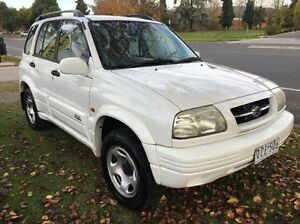 1999 Suzuki Grand Vitara SQ625 Type1 White 5 Speed Manual Wagon Wodonga Wodonga Area Preview