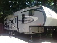 27.5BHS  Jayco 5th wheel for sale.