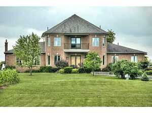 Luxury farmhouse for rent close to Binbrook