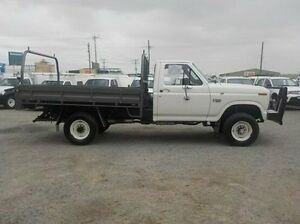 1986 Ford F350 (4x4) White 5 Speed Manual Cab Chassis Pakenham Cardinia Area Preview