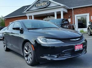 2016 Chrysler 200S NAV, Leather Heated Seats, Pano Roof, Remote