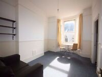 Splendid one bedroom flat set within a lovely Victorian conversion located in Islington