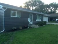 Hillside 2+1 modern bungalow with walk-out basement in Birtle!!