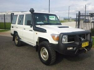 2012 Toyota Landcruiser VDJ76R MY13 Workmate White 5 Speed Manual Wagon Singleton Singleton Area Preview