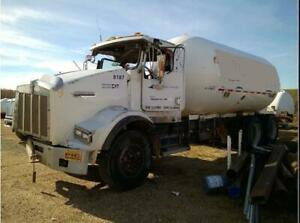2002 Kenworth T800 For Parts
