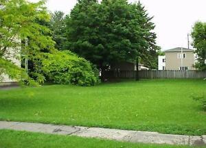 Terrain à vendre au centre-ville de Valleyfield - Land for sale