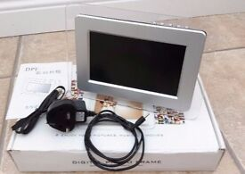 "7"" Digital Photo Frame Boxed Full Working Order"