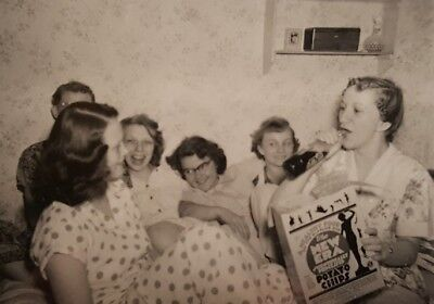 College Party Girls (VINTAGE VERNACULAR PHOTOGRAPHY SCHOOL COLLEGE GIRLS PAJAMA PARTY NEW ERA)
