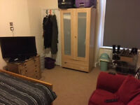 Large furnished double room, Clifton. All bills inc.