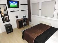 ZONE 1-2: Fantastic Large Double With LED HD TV. 10 Mins Walk To Liverpool Street. Utility Bills inc