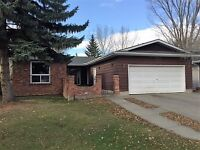 3 Bed 2.5 Bath Bungalow on South Side with Dble Attached Garage
