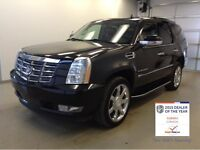 2008 Cadillac Escalade AWD | Black on Black | Delivery Available