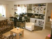Nice 2-bed flat with private garden to rent in Stoughton, GU2