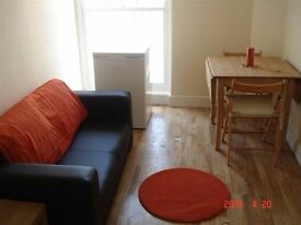 1 bedroom flat in Cricklewood Broadway, NW2