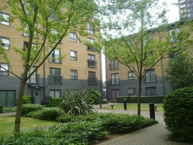 1 bedroom flat in Padstone House, Talwin Street, Bromley by Bow