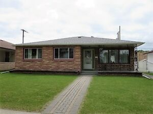 """West Kildonan"" Bung. 1492 sq.ft 3 BR 2 Bath Garage $289,900"