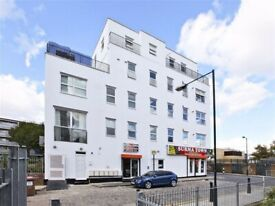STUNNING 2 DOUBLE BEDROOM APARTMENT MOMENTS FROM WATNEY MARKET &SHADWELL STATION E1