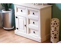 Longe cabinet storage