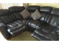 4 seater Black leather corner sofa 2 X manual recliner