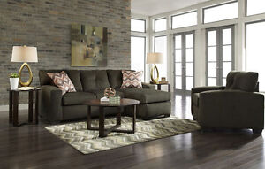 Woodhaven Diamond collection Couch and chair