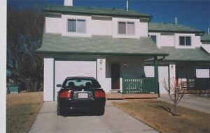 Executive Townhouse Rental - Sylvan Lake - Quiet Adult Complex.