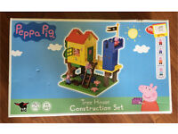PEPPA PIG Tree House Construction Set 90 Plus Plastic Pieces Of Different Lego Style Units