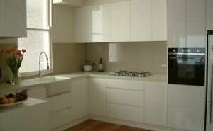 kitchen cabinets in L shape