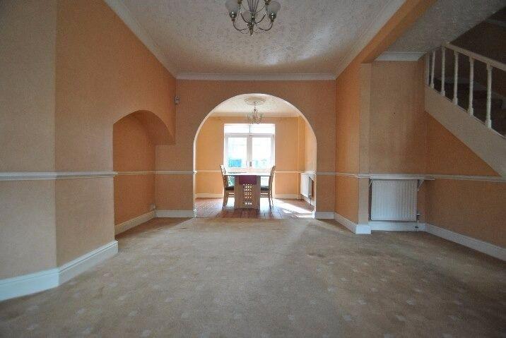 3 BED HOUSE TO RENT IN DAGENHAM HEATHWAY. 7 MINS WALK TO DAGENHAM HEATHWAY STATION MUST SEE.£1400PCM