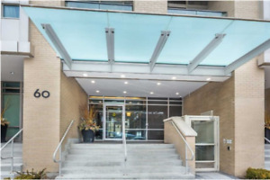 Bright ,Unobstructed South View Bachelor At Yonge & Eglinton!!!