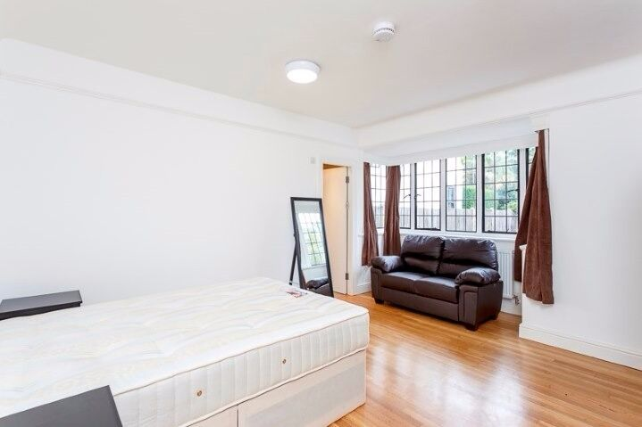EN-SUITE DOOM ROOM TO RENT IN EALING BROADWAY - FURNISHED & AVAILABLE NOW INCLUDING ALL BILLS