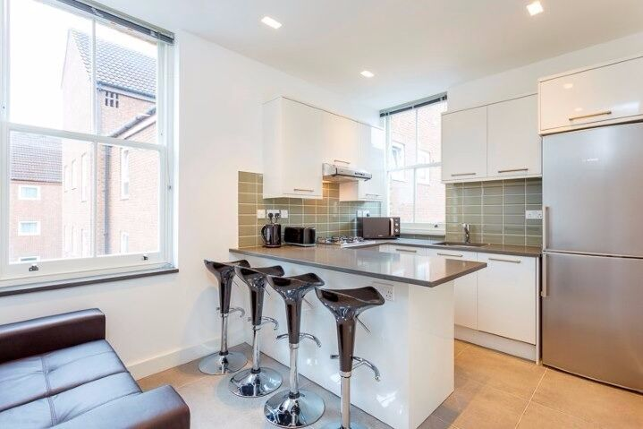 Beautiful Double Room newly refurbished in Ealing Broadway West London furnished & available now