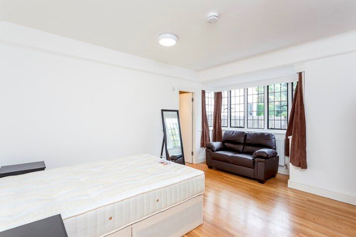 Large En-Suite Double Room to rent INCLUDING ALL BILLS & WIFI - EALING WEST LONDON