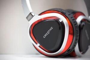 Paire d'écouteurs Creative avec étui rigide 129.95$ !!!
