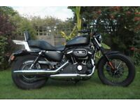 HARLEY DAVIDSON SPORTSTER IRON 883. ONLY 1200 MILES