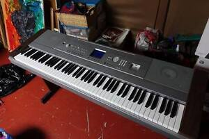 Low price quick sale!Yamaha Dgx-640 Portable Grand Digital Piano