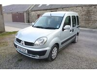 Renault Kangoo WUF (Wheelchair up front) - perfect for disabled passengers - LOW PRICE AND MILAGE!