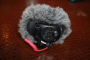 RODE Stereo Video Mic X with Windjammer