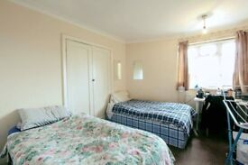 Twin room perfect for friends in North West, post code: NW26BT, now just for £150, ASAP