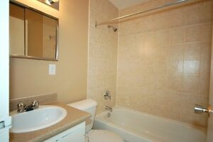 2 Bedroom in Listowel!Easy Commute to K/W,Guelph & Stratford! Kitchener / Waterloo Kitchener Area image 3