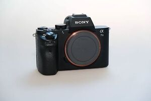 Sony A7 MK II + 2 batteries + Wall Charger 12 000 Clicks!