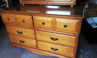 Solid maple wood dresser and mirror, excellent condition