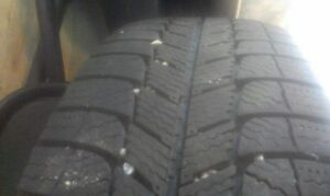 215/65r16 on 5x 114.3 steel rims Gatineau Ottawa / Gatineau Area image 3