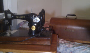 Antique electric Singer Sewing Machine $100 OBO Peterborough Peterborough Area image 2