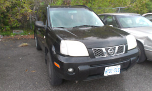 Nissan xtrail as is , 800 obo