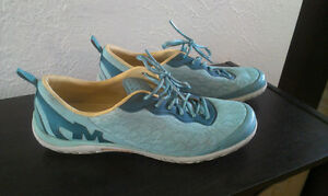 Chaussures Merrell pour femmes, grandeur 9.5
