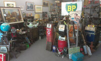 ANTIQUE AND COLLECTIBLE SHOP