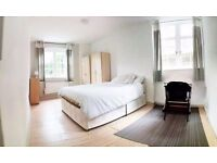 THE BIGGEST ROOM IN CENTRAL LONDON! BEST AREA, BEST FLATSHARE! MOVE ASAP!